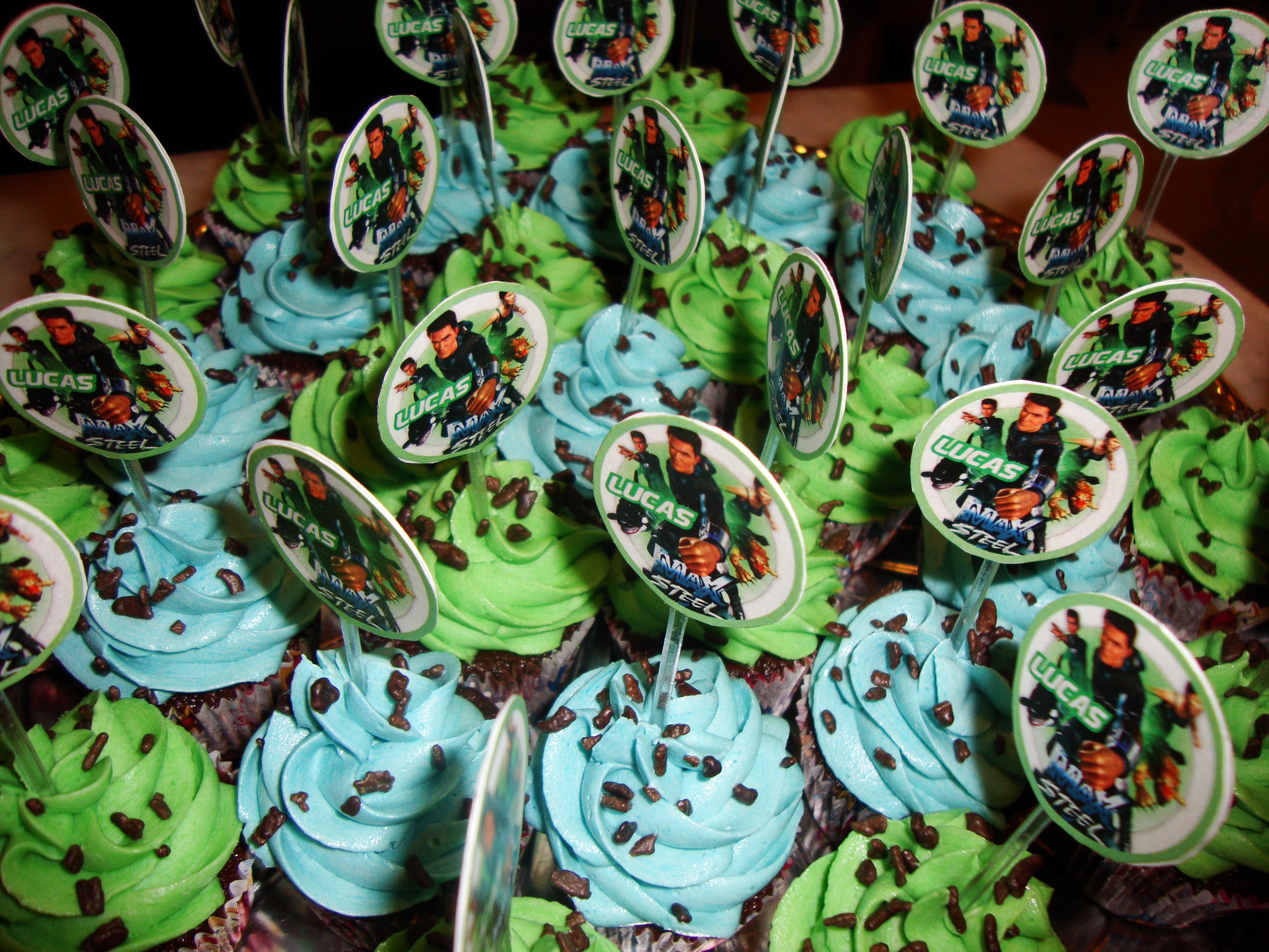 Cupcake Max Steel 00
